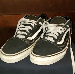 VANS OLD SKOOL LOW TOPS!!!